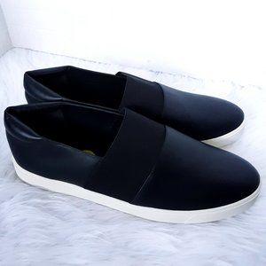 Vince women flats shoes size 13M